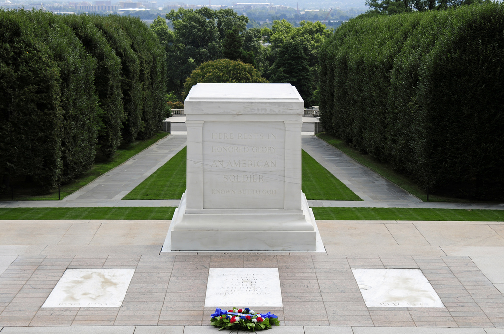 files/images/blog-images/10 Great sites DC/1-wreath-laying.jpg