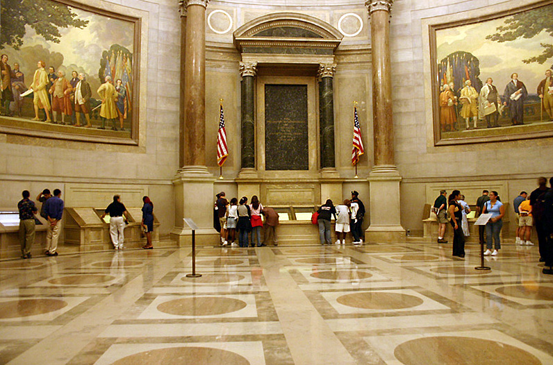 files/images/blog-images/10 Great sites DC/9-ArchivesRotunda.jpg